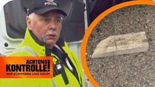 Polizei entsetzt: 1kg Holzkeil ungesichert am LKW auf der Autobahn | Achtung Kontrolle | kabel eins