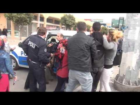 Adliyede Aile ve Polis Arasında Tekme Tokat Kavga!