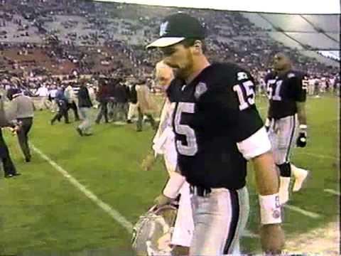 Last Minute of Raiders / NFL Game in Los Angeles