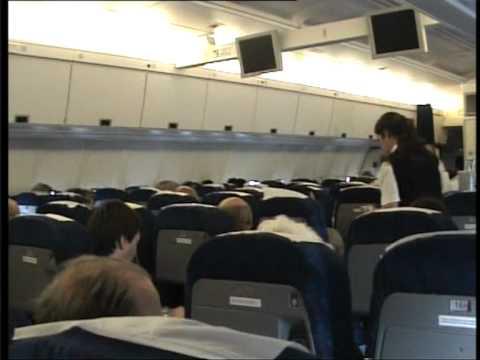 Cubana Ilyushin Il-96 flight. - YouTube