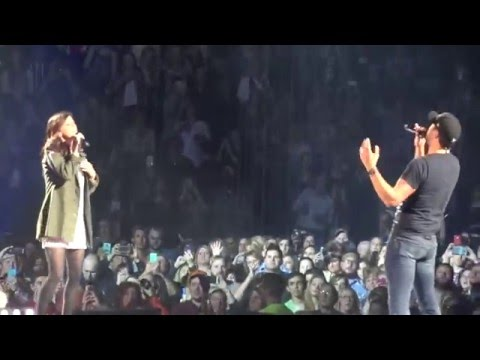 Luke Bryan and Karen Fairchild-Home Alone Tonight-Peoria,IL