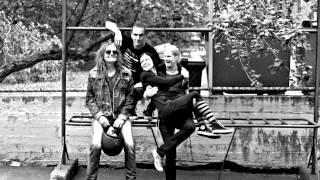 Maailmanlopun tyttö & Hyeenat feat. Pelle Miljoona: Puerto Galera (official video)