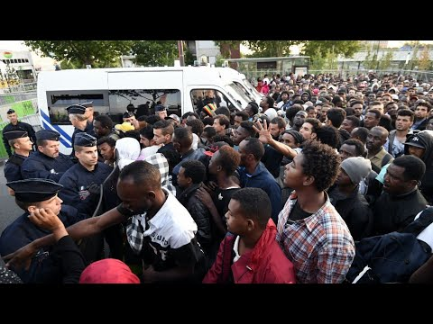 France: Police evict thousands of migrants camped in northern Paris