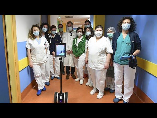 Roboter im Krankenhaus pflegen Covid-Patienten