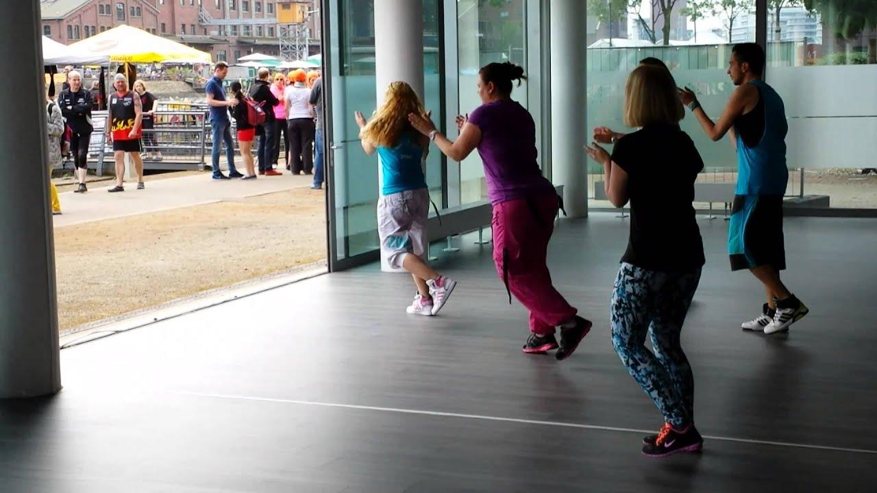 Pier 1 Fitness auftritt innenhafenfest im pier1 fitness - youtube