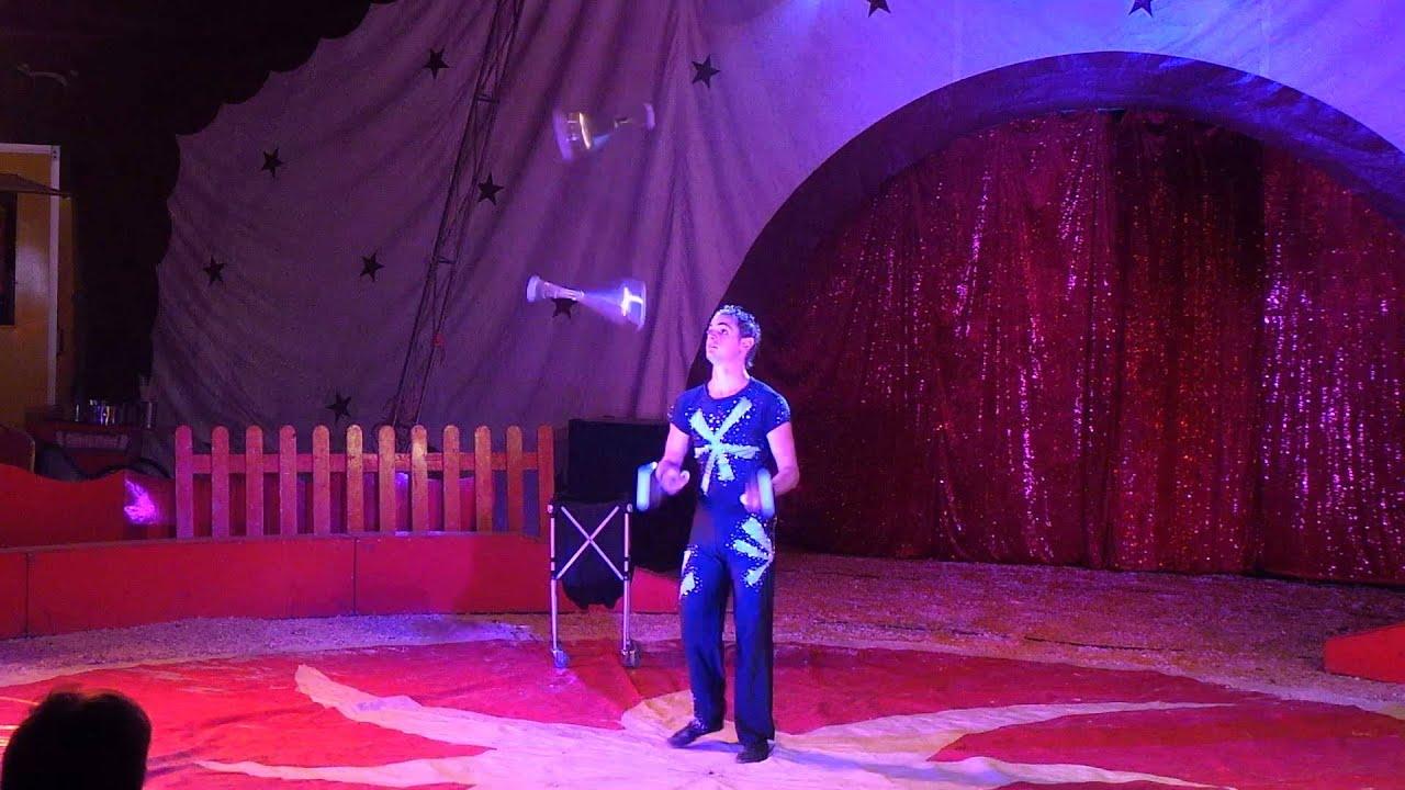 Cirque jongleur youtube - Image jongleur cirque ...