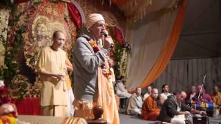 Prabhavishnu Swami Kirtan Sadhu-Sanga 2011 part 1