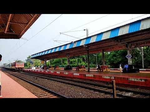 Howrah - Vijayawada Humsafar Express with 22644 SANTRAGACHI WAP-4 || Colour Humsafar Coaches ||