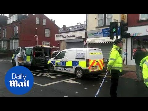Police At Scene Of Murder Of 17-year-old In Beeston, Leeds - Daily Mail