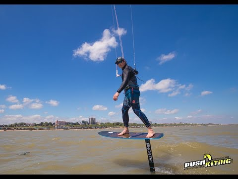 Light wind foiling - Learn to Hydrofoil with PUSH Kiting and the NORTH Speedster Combo & GT foils