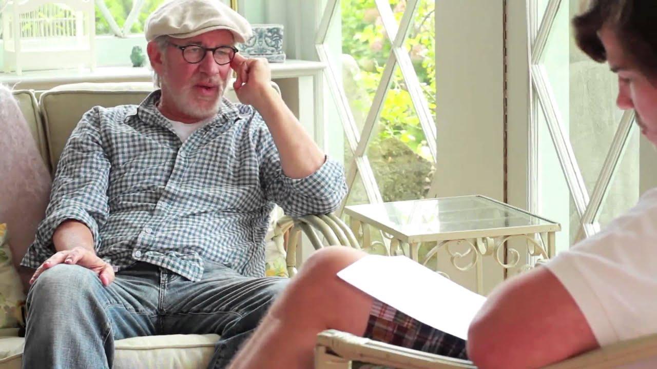 Hver haldið þið að sé lesblindur, Steven, þetta kallast Lesblinda Steven Spielberg ræðir lesblindu sína í fyrsta skiptið, viðtalaið gerði Quinn Bradlee - Vin...