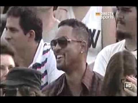 Novak Djokovic and Will Smith entertain the crowd in Argentina (Dancing Kings)