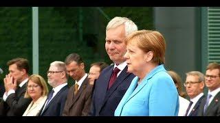 Sorge um Kanzlerin: Merkel erleidet erneut Zitteranfall