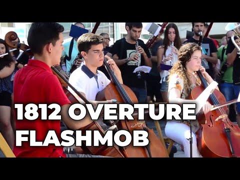 "Flashmob ""OVERTURE 1812"" (Tchaikovsky)"