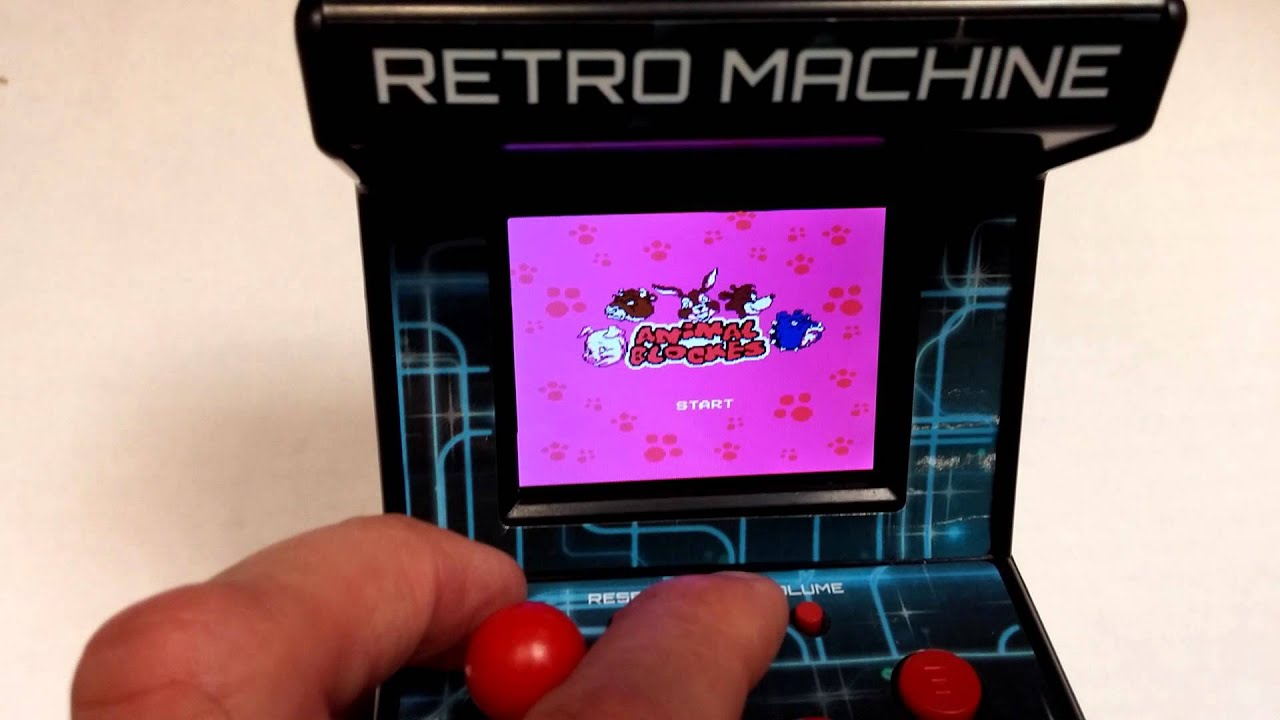 Retro Arcade Machine Handheld Gaming System with 200 Built In Video Games Toy