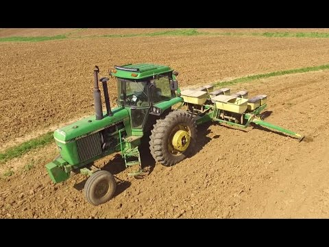 Planting Corn John Deere 4440 4 Row 7000