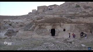 مهجرو قرية الشيوخ في جرابلس يفضلون الحياة الكهوف على المخيمات