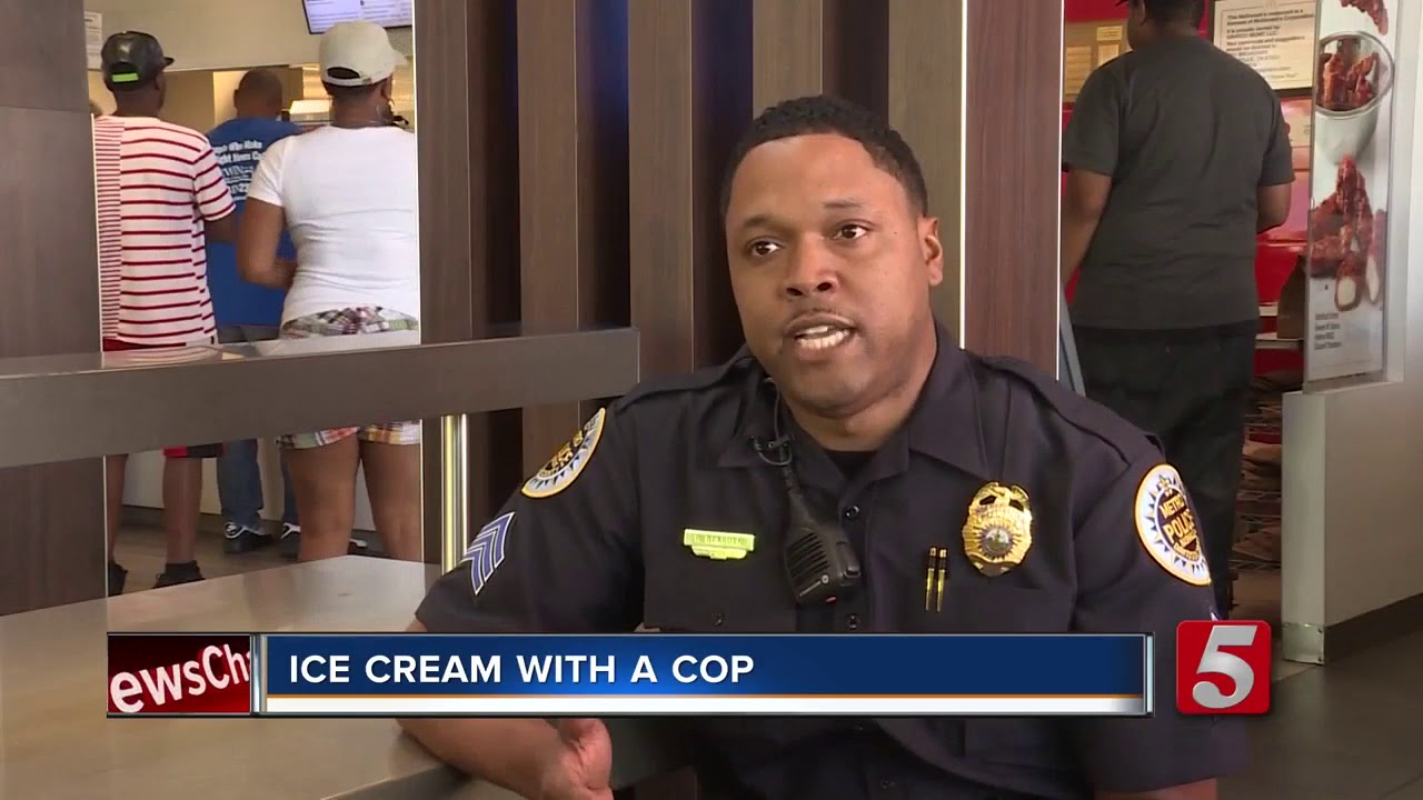 Amazing Black: Police Handing Out Ice Cream To Kids
