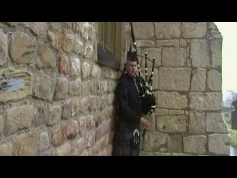 Jim the Piper for Hire from Warble Entertainment Agency (www.warble-entertainment.com)