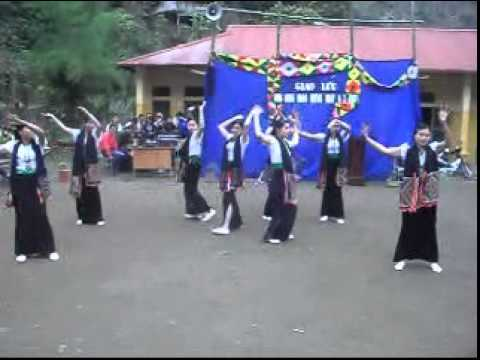 mua dieu xoe thuong nhau (Video Hoàng Văn Dắng)