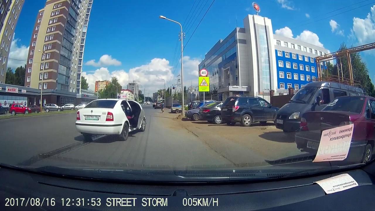 Минет пьяной блондинки в русском такси на скрытую камеру город владимир фото 703-163
