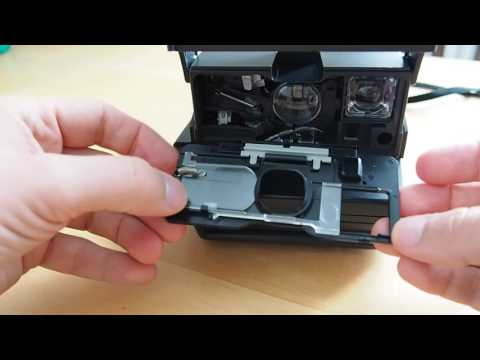 How To Clean The Viewfinder Of A Polaroid 600 Camera