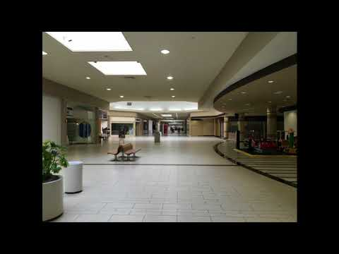 Billy Joel- Piano Man (playing in an empty shopping centre)