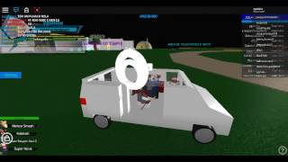 A VAN WITH CLOWNS IN A GAME IN ROBLOX (DRAGON BALL DOS BRS)