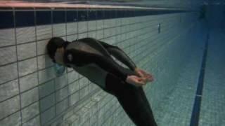freediving 25 meters in 1 leg stroke