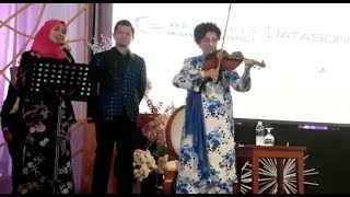 Dr Siti Hasmah enthralls guests with violin performance