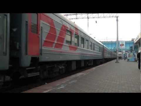 Прибытие ЭП1М-573 с поездом Махачкала — Санкт-Петербург