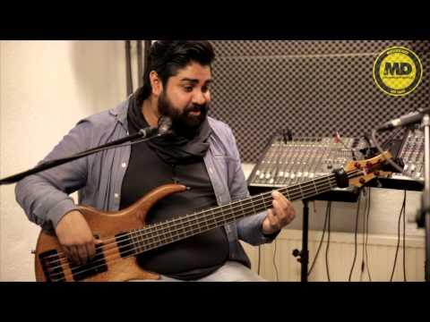 Basgitaarles Muziekschool Den Haag interview Richard Surie met top bassist Arvind Durgaram.