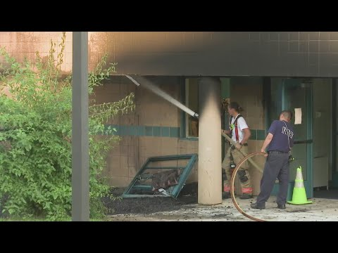 Officials investigate fire at Lewis Lemon Elementary School in Rockford