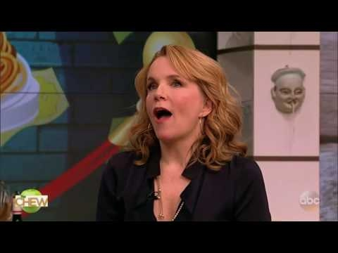 The Chew (March 06, 2017) Actress Lea Thompson; spicy tuna dip...