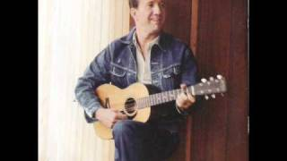 Marty Robbins On The Opry Red River Valley.wmv