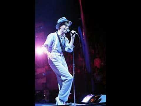David Bowie- Red Sails (live Serious Moonlight)