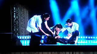 Ернар Айдар упал в концерте