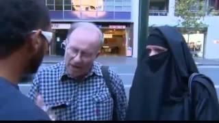 مبتعث سعودي يؤدب استراليين يسخرون من بنات السعوديه