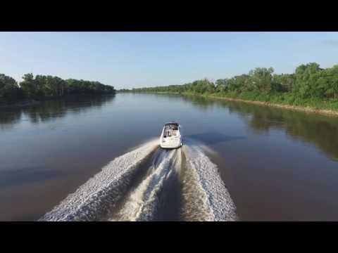 Drone chasing boat on Missouri River