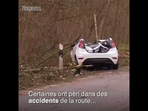 Tempête au Benelux: au moins huit morts et des vents à 150 km/h
