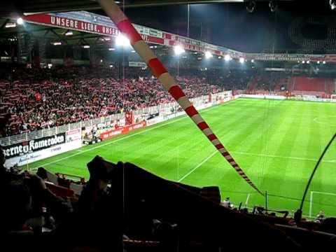 Eisern Union - Die Hymne von Union Berlin LIVE im Stadion. Auflauf der Mannschaften, Gänsehaut!