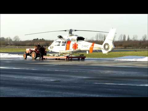 D-HNHC Northern Helicopter Offshore Rescue Emden EME Airport Treibstoff fuel Dauphin Detail Zooms