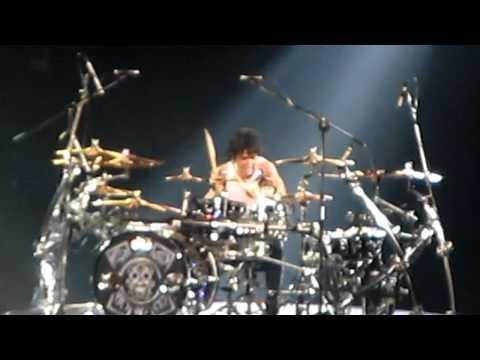Alex Gonzalez de Mana drum solo