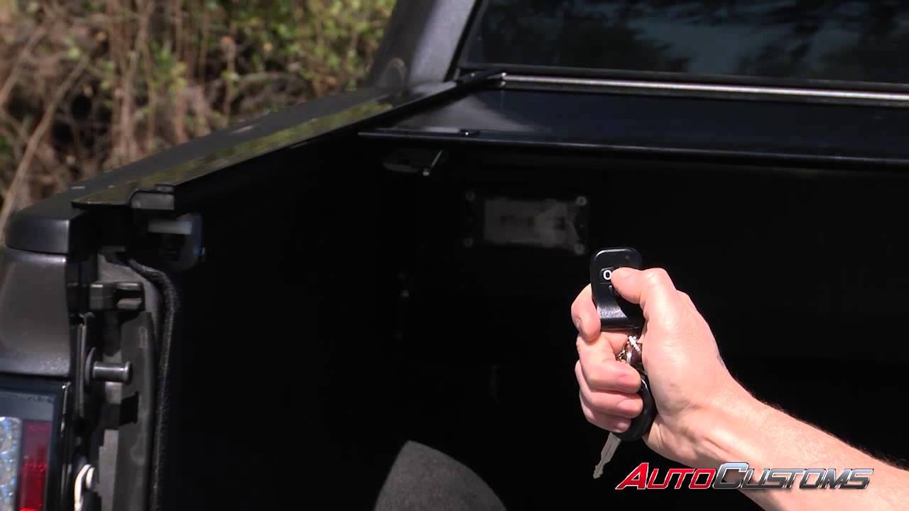 Gatortrax Electric Retractable Tonneau Cover Review Autocustoms Com Youtube