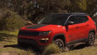 Jeep Compass - Exterior | Off-road driving | 2017
