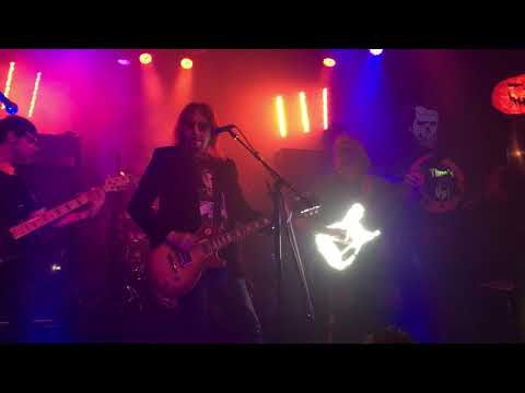 VIDEO: Ace Frehley with John 5, Nikki Sixx and Scott Ian at Whiskey A Go Go