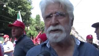 """Cgil, lavoratori in piazza:""""D'Alema?No grazie"""""""