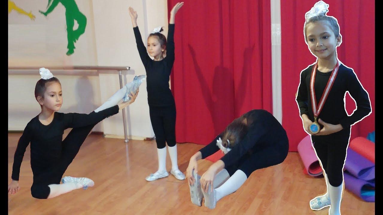 Tiyatro sahnesi prensesler ve sincap sahnede , eğlenceli çocuk videosu toys unboxing
