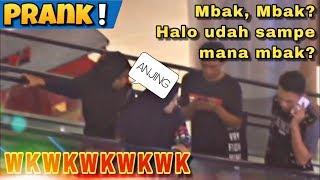 PURA-PURA TELPON | PRANK MANGGIL ORANG DI ESKALATOR - Prank Indonesia