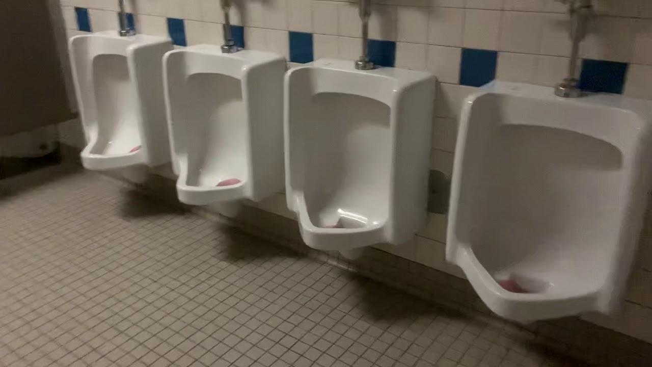 464 My Old Elementary School Boys Bathroom Youtube
